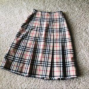 Classic Burberry Pleated Skirt